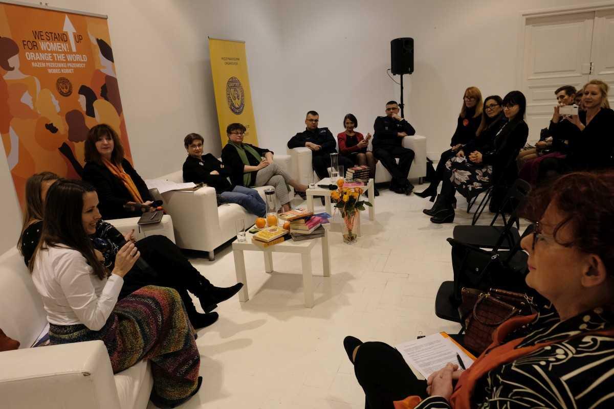 Fundacja Sztuka Wolności wakcji Orange The World